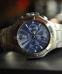 Đồng hồ Concord Saratoga Chronograph - Automatic mặt xanh navy